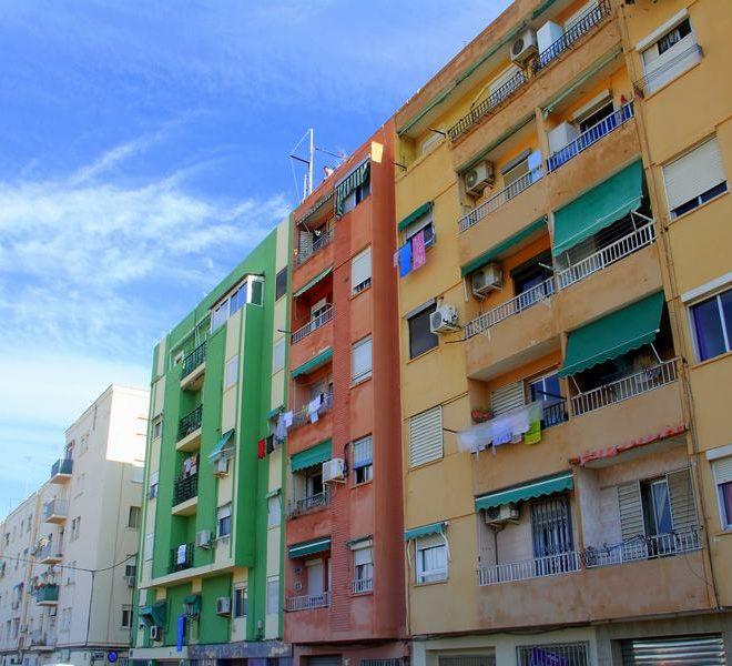 Piso económico en la Playa de Malvarrosa- Calle Berenguer de Montoliu