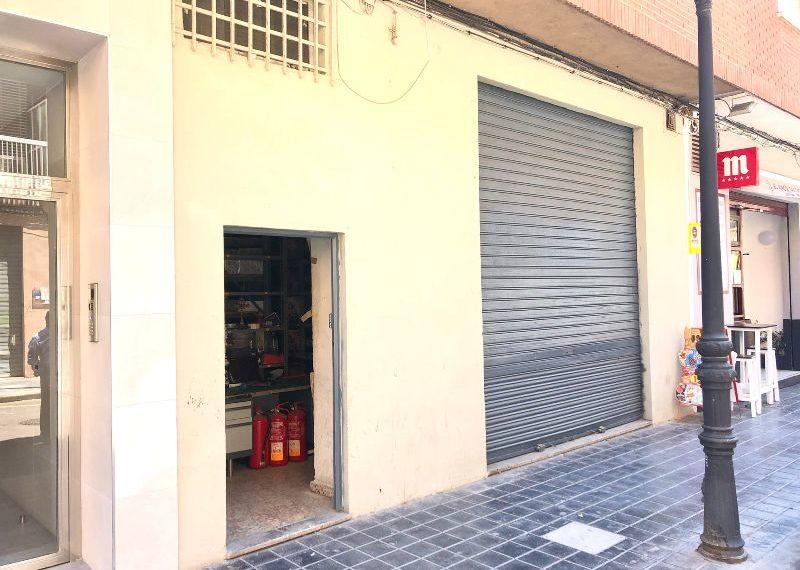 LOCAL COMERCIAL EN EL BARRIO CRUZ DEL GRAO
